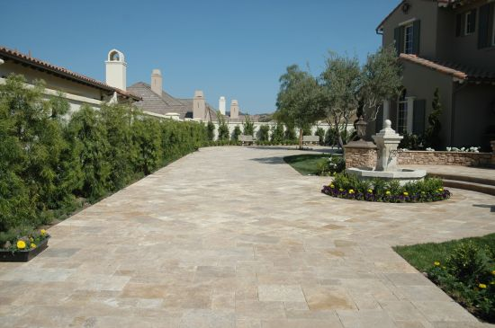 Driveway travertine pavers non slip glen iris melbourne for Paver installation adelaide